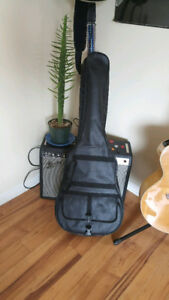Softshell guitar case/backpack. Great for travellers!