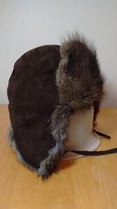 Chapeau ou casque de fourrure et extérieur suède small 57 cm