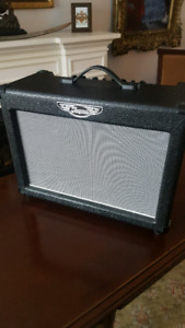 Traynor - DynaGain Solid State 15 Watt 1x10 Guitar Combo - NEW!