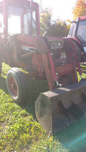 1980 INT 784 2wd,cab, loader-bucket,