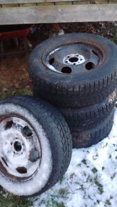 225/60r16 snow tires on ford rims