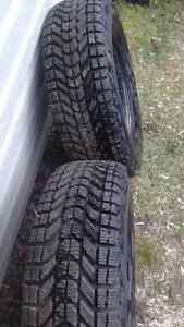 One Pair  215/70/14 Winter tires on Rims. Peterborough Peterborough Area image 2