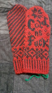 Hand Knit Mitts