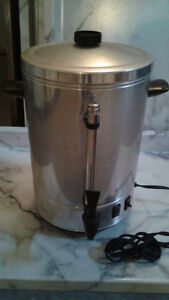 coffee dispenser 60$ negotiable West Island Greater Montréal image 2