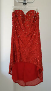 robe rouge brillante