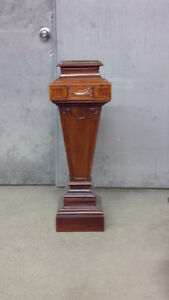 Pedestal Cambridge Kitchener Area image 1
