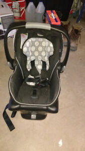 Britax b-safe infant car seat and base