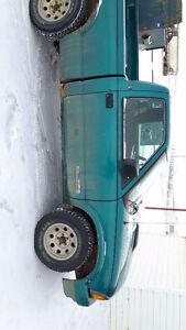 1994 GMC Sonoma SL Pickup Truck