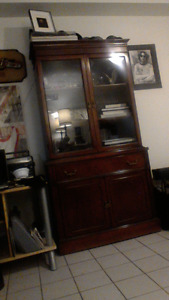 Solid Wood Antique Dinning /Livingroom Cabinet  very good cond