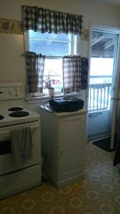 2 Bedroom Unit - Heat Included - Hydro Extra