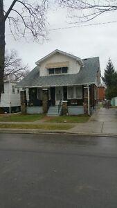 ALL UTILITIES INCLUDED - HOME ON QUIET CUL DE SAC Windsor Region Ontario image 5