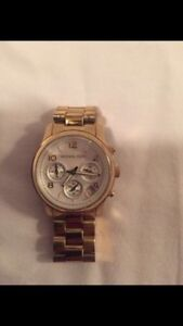 REDUCED !! Authentic beautiful MICHAEL KORS Gold Tone Watch