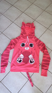 Excellent Condition Animal Themed Hoodie. Youth Large