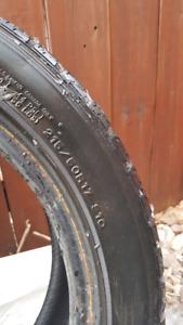 Pneus hiver Dunlop Graspic DS2 215/50R17