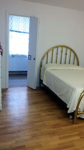 • No lease - Downtown Hull - July 1 - $500 •