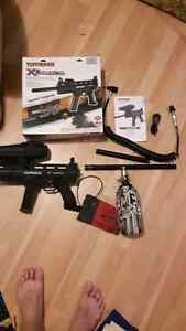 Electronic Tippmann x7 phenom, with tank and accessories