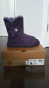 Brand new condition Authentic UGG Bailey Button Bling purple US7