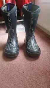 Bogs size 2 boots