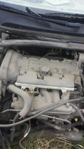 VOLVO V70XC ENGINE 170000KM $1200.00