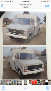 1977 Chevy cube van with 400 small block