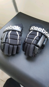 "Youth reebok hockey glove (8"")"