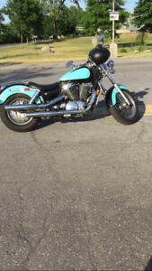 Moto **HONDA SHADOW ACE EDITION EXCELLENT CONDITION**