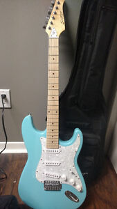 Electric Guitar w/small amp and tuner