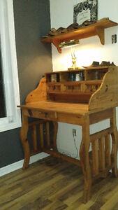 Bureau artisanal en bois de pin rustique - Pine rustic artisanal