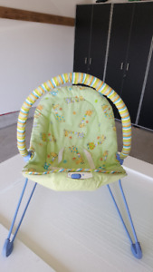 FISHER-PRICE SOOTHING MOTIONS BOUNCY CHAIR