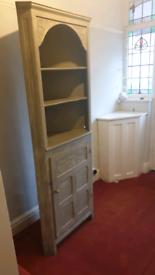 Wooden corner unit