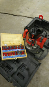 Black & Decker Plunge Router and Bits