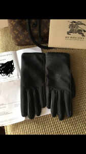 Burberry gloves size 8 authentic,check my ads for boutique