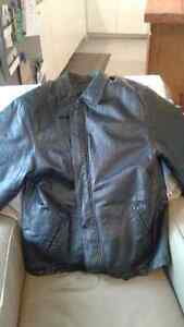 Men's 100% Leather Winter Jacket Brand New Size Large