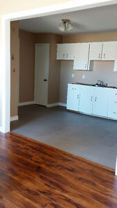 2 bedrom apartment available June 1st