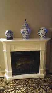 SOLID WHITE HEAT OR LIGHT FIREPLACE