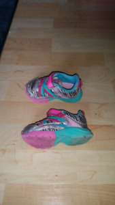 Toddler size 5 runners