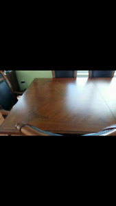 Table 6 chairs with leaf lightly used. Kimberley or cranbrook bc