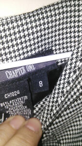Houndstooth print fitted dress - size 8 petite Windsor Region Ontario image 3