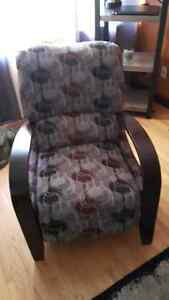 Reclining Accent Chair Kitchener / Waterloo Kitchener Area image 1