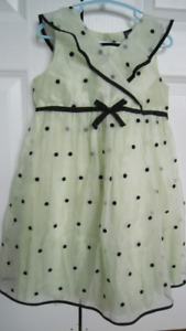 GAP green summer dress size 5T ( for twins ) nr 1