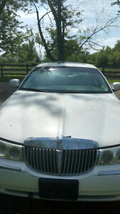 Lincoln Town Car Sedan - one owner