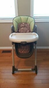 Graco High Chair Cambridge Kitchener Area image 1