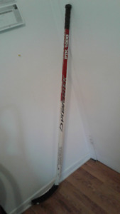 Baton de hockey gaucher one piece