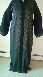 Long black Muslim dress(Abaya)  (عباية)