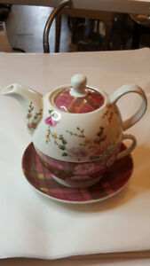 Pink Teapot and Cup