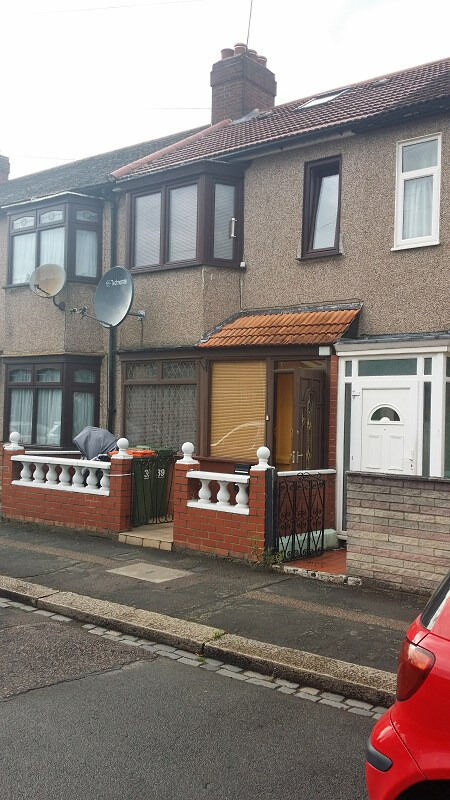 4 BED HOUSE: SHIPMAN RD CANNING TOWN E16 3DT (NO DSS TENANT CALLING)