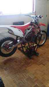 Honda crf 450 injection 2009.  Custom Mint condition