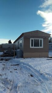 Mobile Home For Sale or Rent in Red Deer / Handyman special