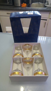 champagne glasses brand new in box made in italy