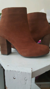 Size 6 suede boots
